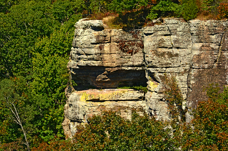 white rock mountain cliffs